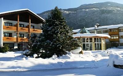 Korutanské Alpy - hotel Trattnig s bazénem - Top skipas v ceně...