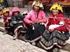 Indiánky v tradičních oděvech