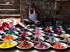 <p>Indie - Dillí - rozmanitá nabídka barev</p>