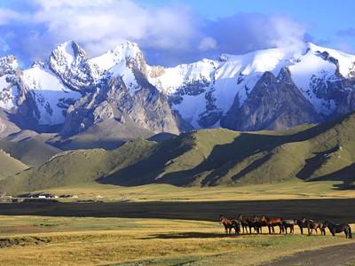 Kyrgyzstán - Uzbekistán - Historie Hedvábné stezky