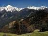 <p>Nepál - kontrast úrodných políček a zasněžených vrcholů</p>