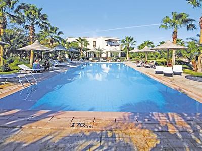Hotel Tamra Beach Resort