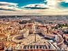 Vatikán je nejmenší a nejnavštěvovanější městský stát na světě.