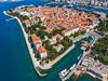 Zadar láká turisty nejen na skvělé koupání a širokou nabídku služeb, ale také na množství historických památek
